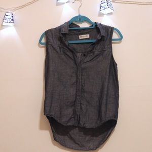 Madewell sleeveless chambray button down